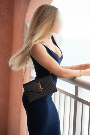 Chahina independent escort in Santa Monica California