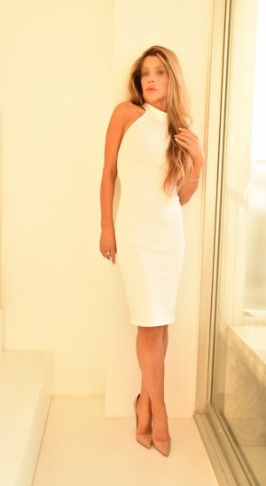 Anne-emilie outcall escort in Kingsburg